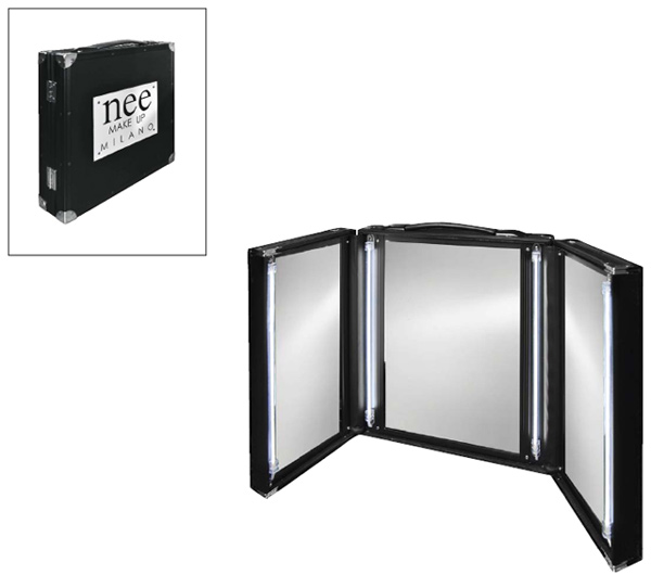 Nee travel mirror with lights